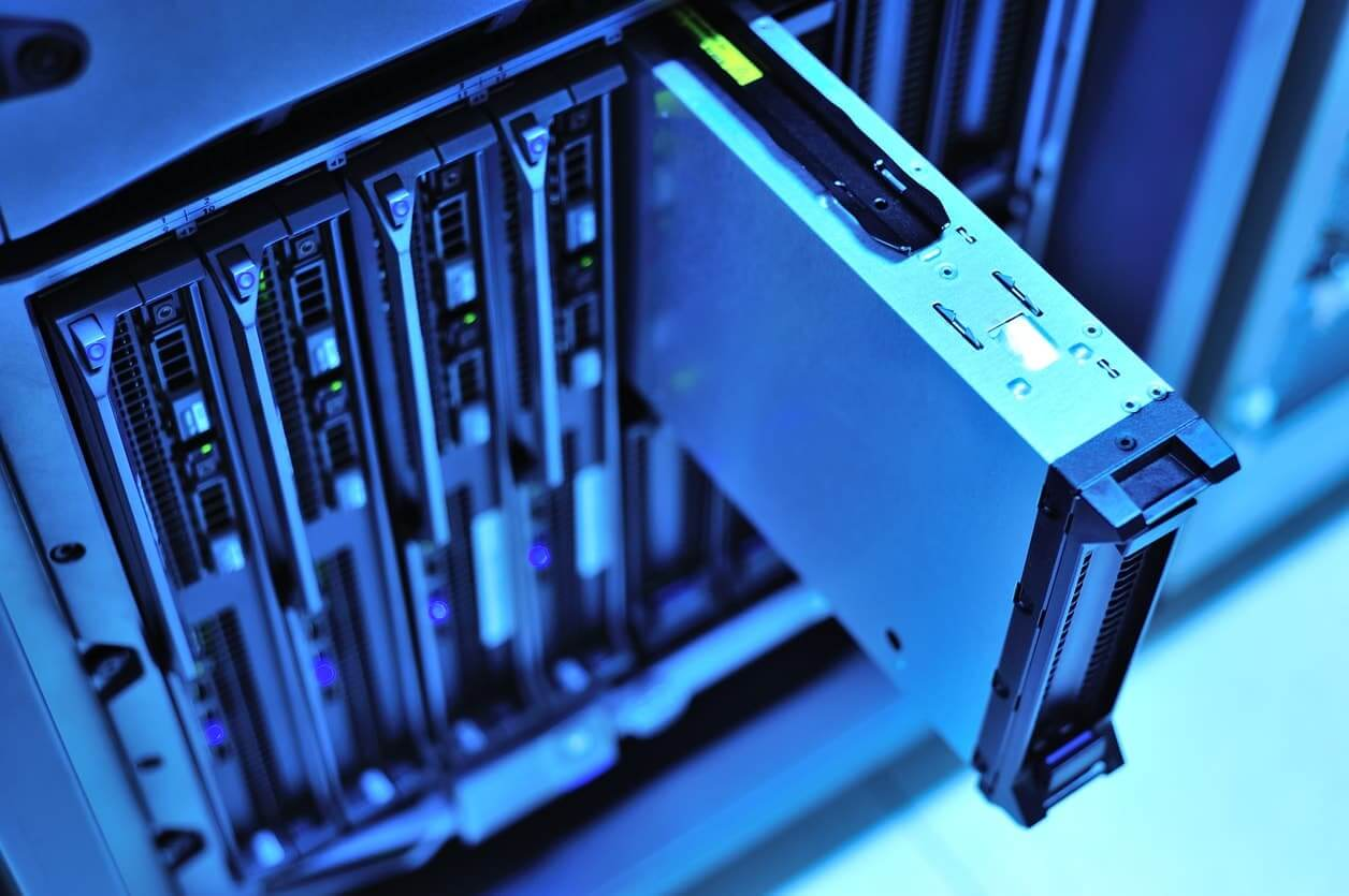 4 Reasons to Consider an Enhanced Support SLA for Your Data Center
